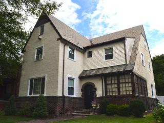 4 bedroom House with Internet Access in Niagara Falls - Niagara Falls vacation rentals