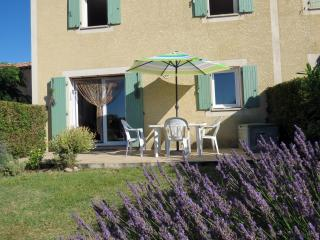 A lovely French Villa overlooking vineyards - Béziers vacation rentals