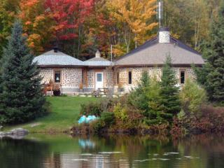 The Cordstead  (La Maison Cordstead) - Sainte-Anne-des-Lacs vacation rentals