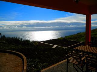 Casa Sidra, Gîte indépendant, Panorama Océanique - Prazeres vacation rentals