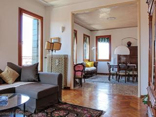 A spacious and central apartment for families! - Venice vacation rentals
