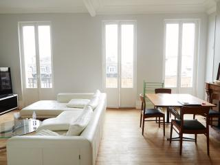 Bel Appartement 110m2 Cours Victor Hugo - Bordeaux vacation rentals