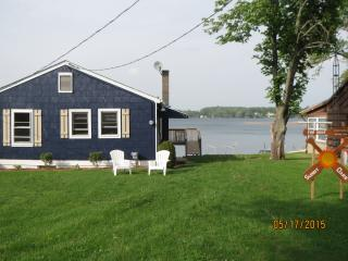 Lakefront Cottage on Gravel Lake, 4 bdrm, sleeps 8 - Lawton vacation rentals