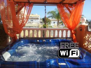 Apartment with Jacuzzi Hot Tub & Air-Con - Mazarron vacation rentals