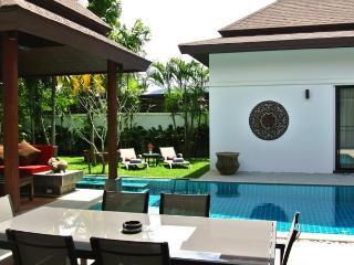 TAL523 Elegant Balinese Private Pool Villa Close to PIA and Laguna - Thalang vacation rentals