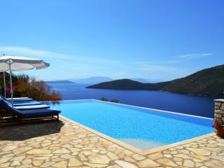 Gorgeous villa with superb sea views - near beach - Mokros Gialos vacation rentals