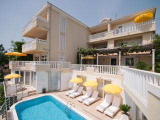 Villa Tenzera, 1-bedroom apartment - Herceg-Novi vacation rentals