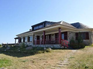 Gorgeous house next to the beach - O Grove vacation rentals