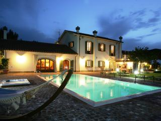 Le Betulle Luxury Villa in Tuscany - Grosseto vacation rentals