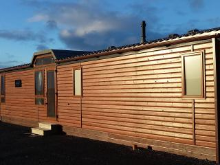 Self catering holiday lodge. - Evie vacation rentals