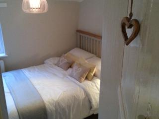 Romantic Retreat, in Lovely Beccles - Beccles vacation rentals