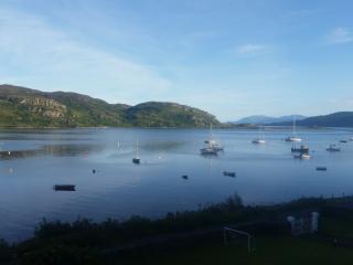 Waterside holiday house with Mooring Scotland - Tighnabruaich vacation rentals