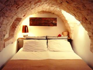 Cozy Stone House 2 floors with rooftop and Wi-fi - Ostuni vacation rentals