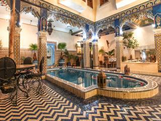 Chambre bleu avec un grand lit riad puchka - Marrakech vacation rentals