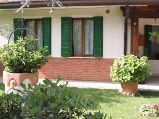 Convenient 1 bedroom Venice Apartment with Internet Access - Venice vacation rentals