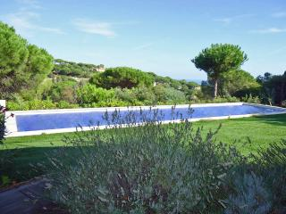 Stylish Villa with Attached Guest House on the French Riviera  - Villa La - Saint-Maxime vacation rentals