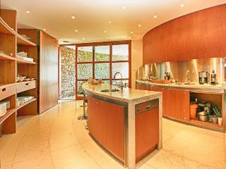 Luxury Villa Rental in on the Cote d'Azur Le Lavandou  - Villa Faviere - Le Lavandou vacation rentals