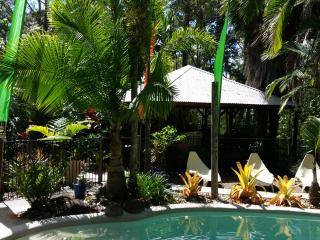 Romantic 1 bedroom Eudlo Bed and Breakfast with Internet Access - Eudlo vacation rentals