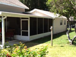 Beautiful 1 bedroom Cottage in Tavares - Tavares vacation rentals