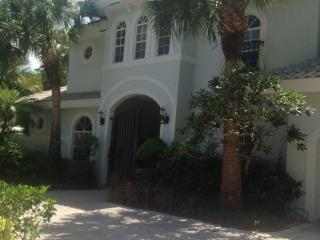 Gorgeous Million Dollar Courtyard Home - Boca Raton vacation rentals