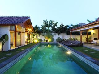 #D15 Elegant Tropical & Modern Villa Central Seminyak - Seminyak vacation rentals