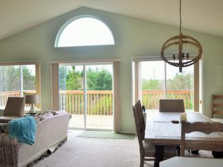 Pacific Pearl a Private & Serene Beach Front Home - Ocean Shores vacation rentals