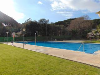 Wifi, parking, pool and gardens - Arenys de Mar vacation rentals