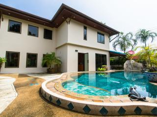 Beautiful Rawai Beach 4 Bed Villa - Rawai vacation rentals