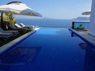 Luxury 4 Bedroom Sea Front Villa  Villa İpsili - Kas vacation rentals