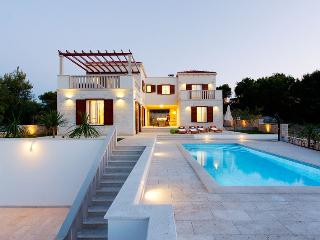 Brand new Villa Lina - Splitska vacation rentals