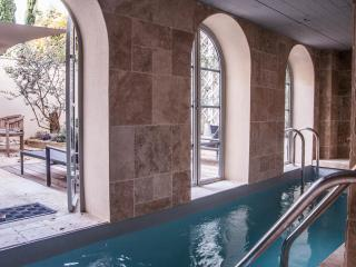 Beautiful city centre townhouse with indoor pool - Avignon vacation rentals