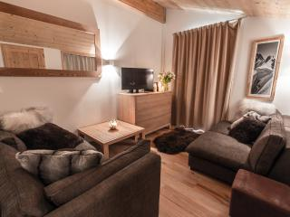 Cozy 2 bedroom Apartment in Les Gets with Internet Access - Les Gets vacation rentals