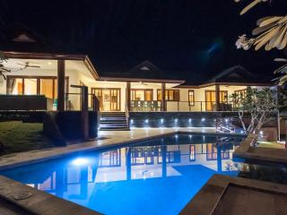 5 bed room sea view villa in idyllic samui resort - Chaweng vacation rentals