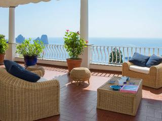 CAPRI - TERRACE APARTMENT - Capri vacation rentals