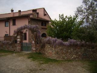 Cozy 1 bedroom Montespertoli Townhouse with Internet Access - Montespertoli vacation rentals