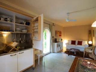 Billi - Two rooms apartment for 2 people - Braccagni vacation rentals