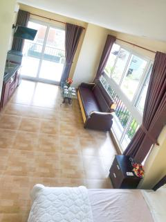 Apartment Beach View-2 Beds+2 Toilets+Sofa+Kitchen - Da Nang vacation rentals