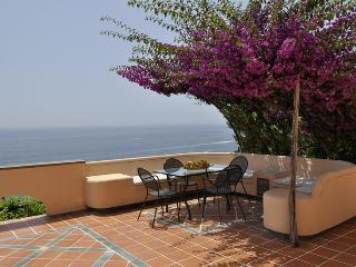 AMALFI - SUITE CON PISCINA PRIVATA - Vettica di Amalfi vacation rentals