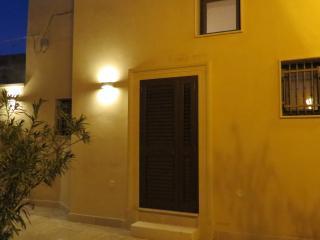 Puglia: Casa Vacanze Mamma Ro nel Salento - Arnesano vacation rentals