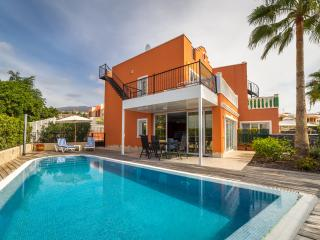 Cozy & Luxury Villa in Callao Salvaje - Callao Salvaje vacation rentals