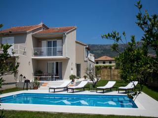 Villa Elysium - Kastel Kambelovac vacation rentals