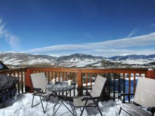 BREATHTAKING MOUNTAIN And LAKE VIEWS. HOT TUB/Pool. Exclusive FREE Golf, Paddle - Wildernest vacation rentals