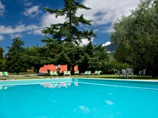 Independent villa swimming pool air conditioning. - Lucca vacation rentals