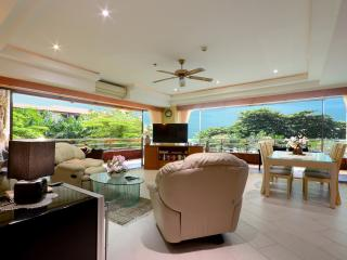 Beachfront Luxury Poolview Condo - Jomtien Beach vacation rentals