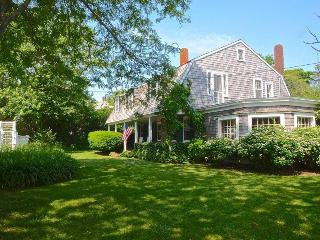 Bright 6 bedroom Hyannis Port House with Internet Access - Hyannis Port vacation rentals