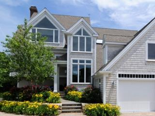 Gorgeous 6 bedroom Hyannis Port House with Deck - Hyannis Port vacation rentals