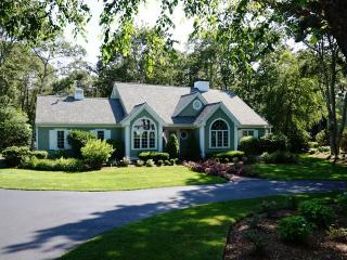 Charming 4 bedroom House in Marstons Mills with Deck - Marstons Mills vacation rentals