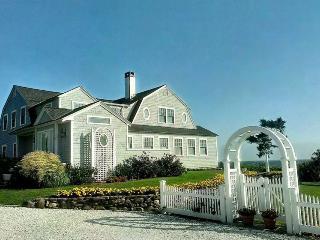 Spacious 8 bedroom West Hyannisport House with Deck - West Hyannisport vacation rentals