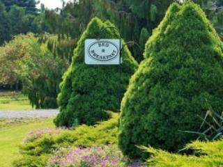 On the 6 Bed and Breakfast - Garden View Room - Niagara-on-the-Lake vacation rentals