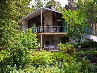 Barrie. Very very private 4 acres, Whole Property - Barrie vacation rentals